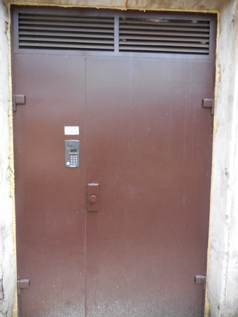 железные двери с домофоном в подъезд цены в истре